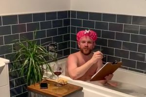 Q: Does Gordon really have beer and wine on tap in his bathroom?